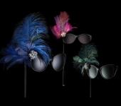 Для карнавала: очки Bvlgari с плюмажем и бриллиантами