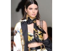 Как повторить гладкую укладку с показа Versace весна-лето 2018
